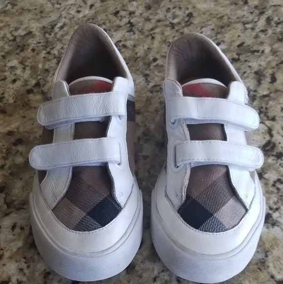 887f8b931542 Burberry Other - Burberry kids Heacham canvas sneakers